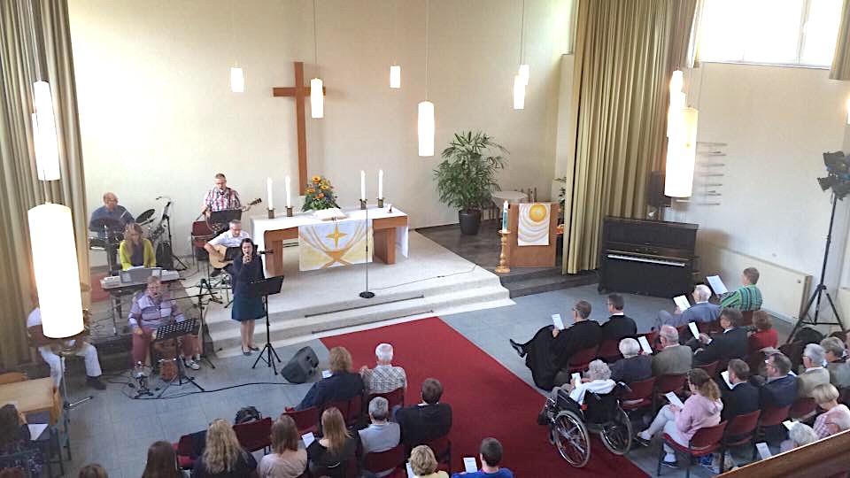 Festgottesdienst mit Propst Schmidt und vielen Beteiligten // Foto: Schmidt