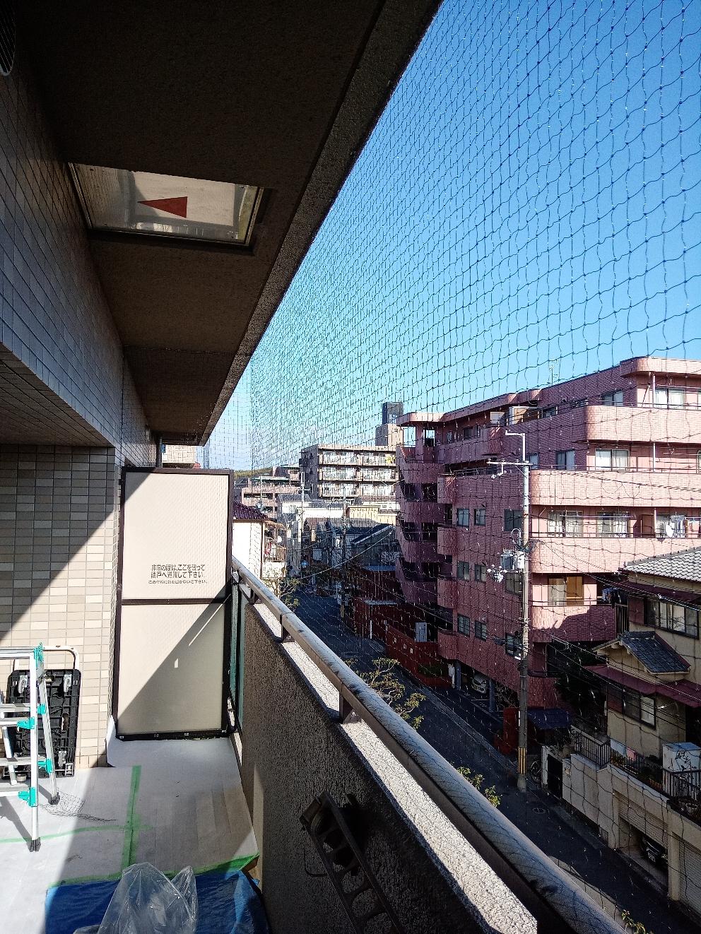 枚方市での鳩よけネット施行