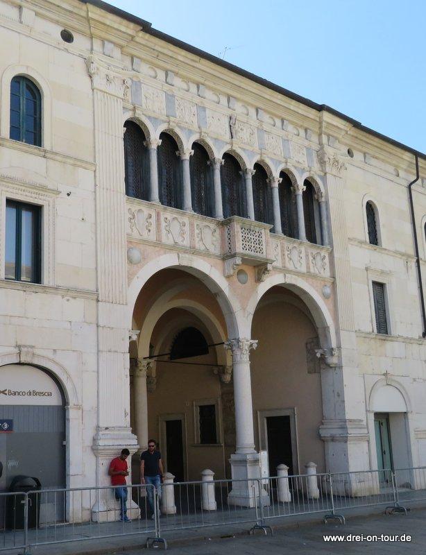 """""""Monti di Pietà vecchio"""" (1484-1489),"""