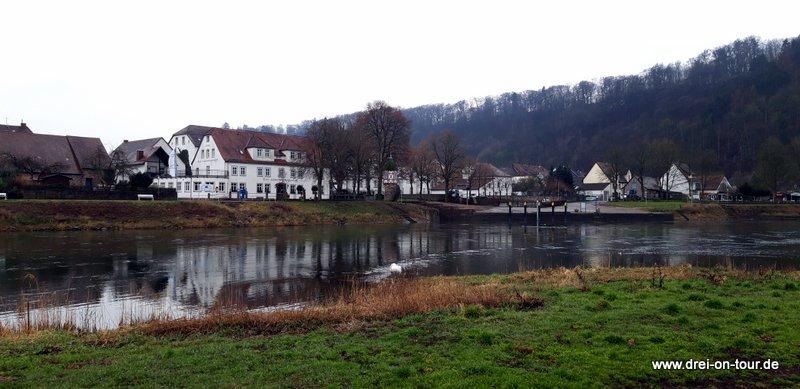 Wohnmobilstellplatz direkt an der Weser