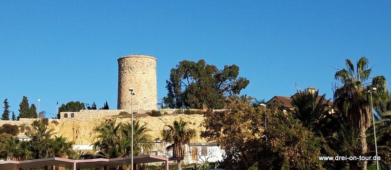 der alte Turm La Cumbre, lag damals am Hafen, diente der Sicherung vor Piraterie