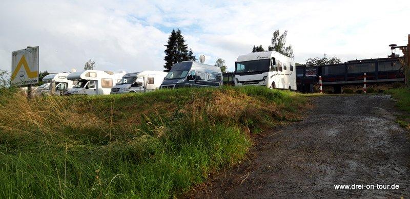 Die Stellplätze am Campingplatz