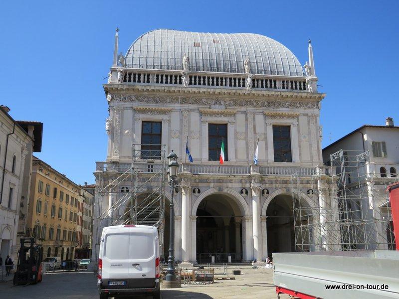 Palazzo della Loggia auf dem Piazza della Loggia