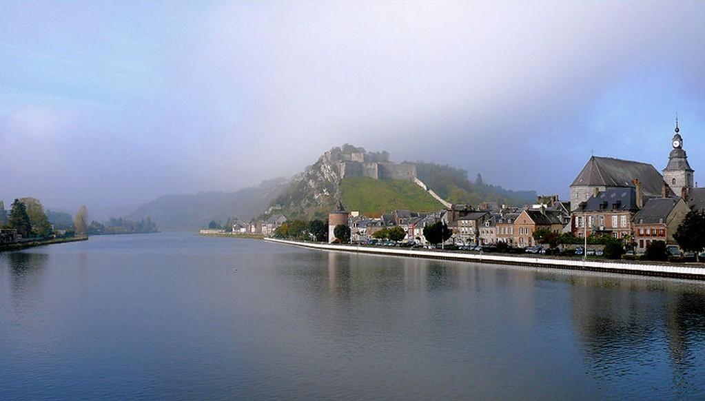Givet - Vue de la Meuse et du fort de Charlemont