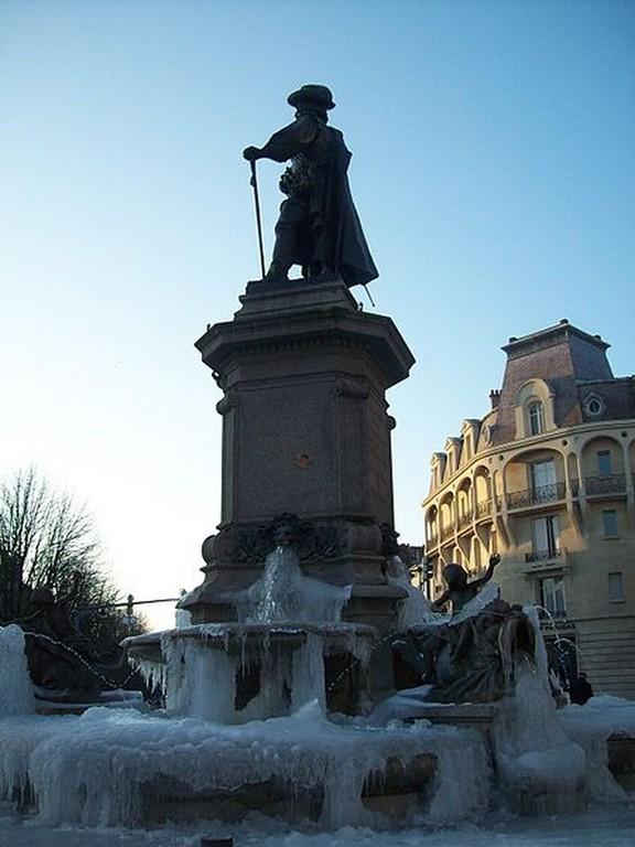 Charleville-Mézières - Fontaine de Charles de Gonzague