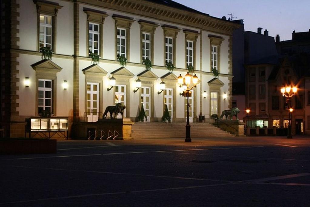 Luxembourg-Ville - La mairie sur la place du Knuedler