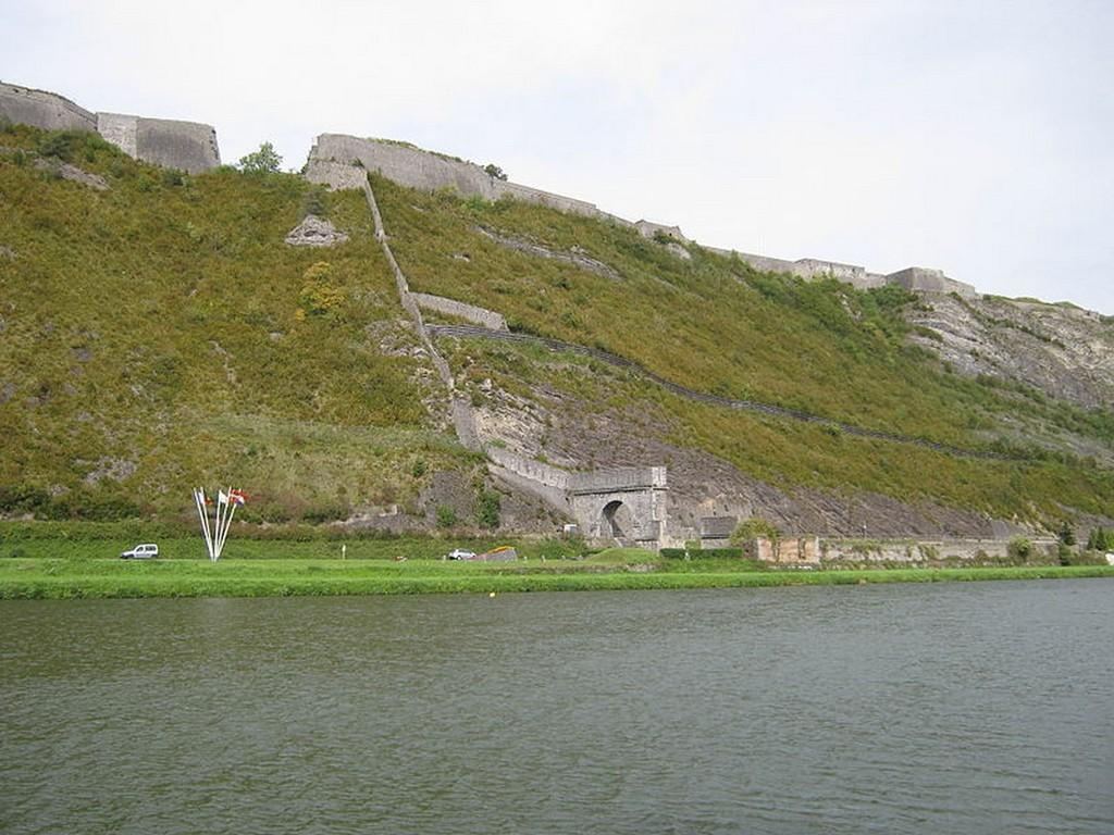 Givet - Le fort de Charlemont et la porte de France