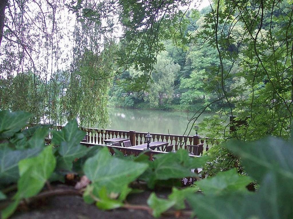 Charleville-Mézières - La meuse vue du quai Rimbaud