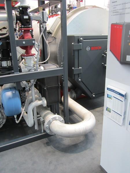 Generatore a 4 giri: in evidenza il condotto di scarico del cogeneratore
