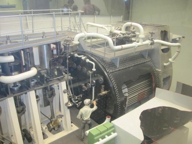 In principio: produrre calore, vapore, energia meccanica. Macchine alternative.