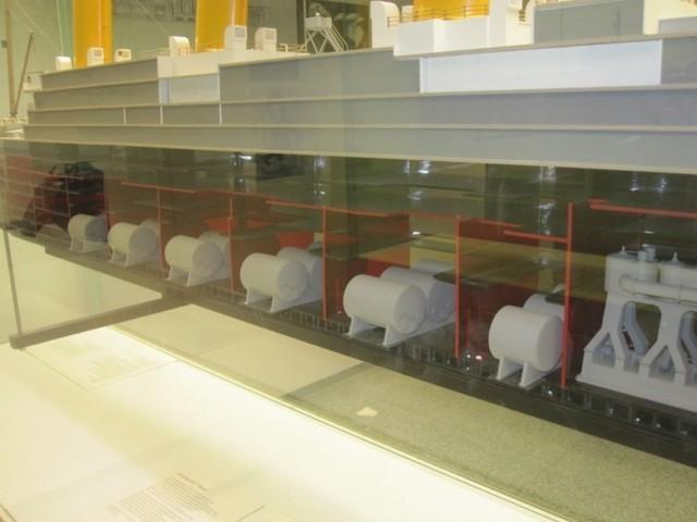 Titanic: sezione modello sala caldaie a tubi da fumo. (Museo della scienza e della tecnica di Monaco - D)