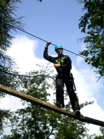 parcours accrobatique dans les arbres