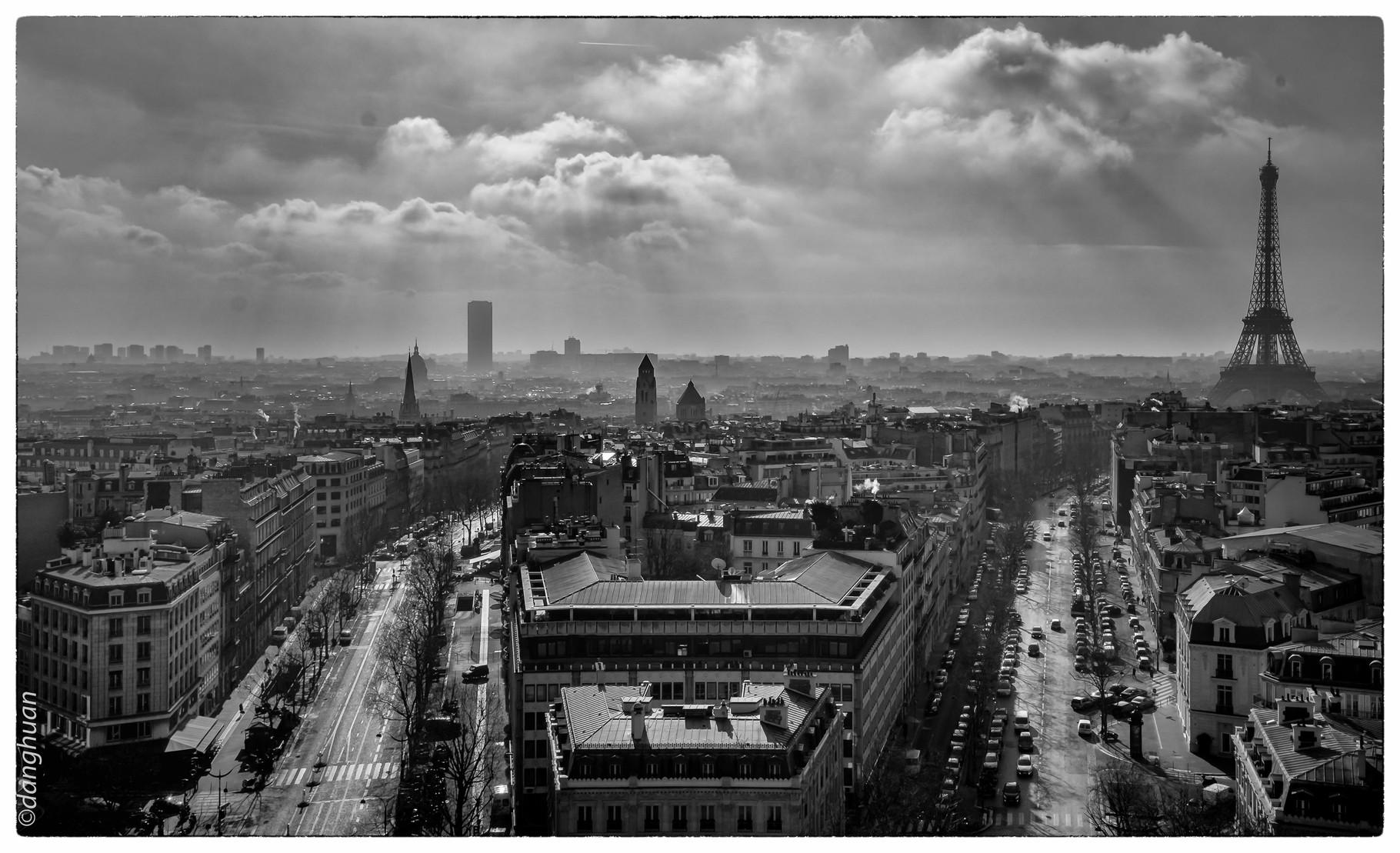 Sud Ouest de Paris vu depuis le sommet de l'Arc de Triomphe