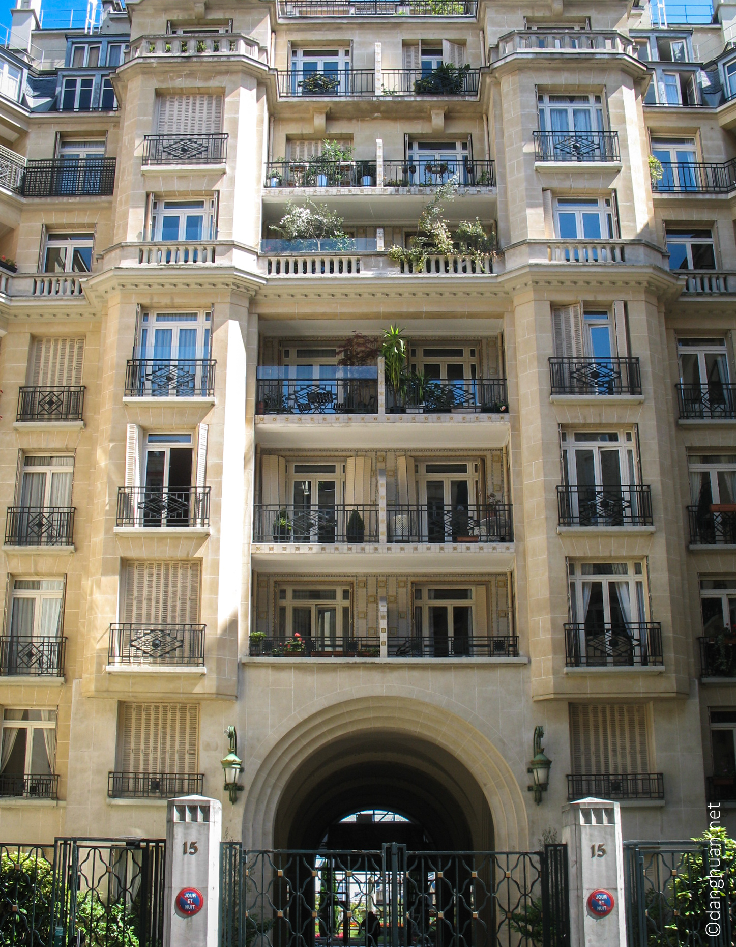 Architecte:  Auguste Perret - 15 Rue Raynouart - 1932