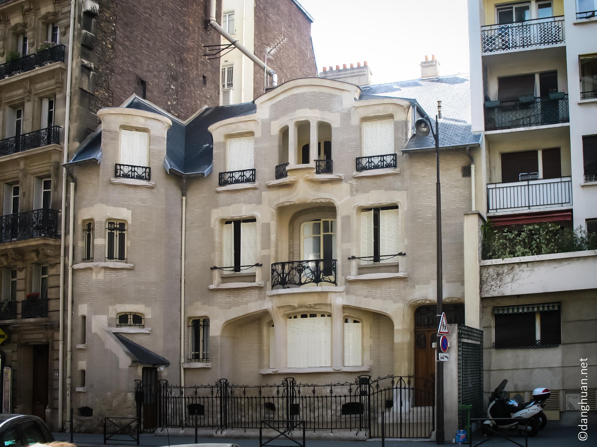 Architecte : Guimard - Hôtel Mezzara - 60 rue de la Fontaine - 1911