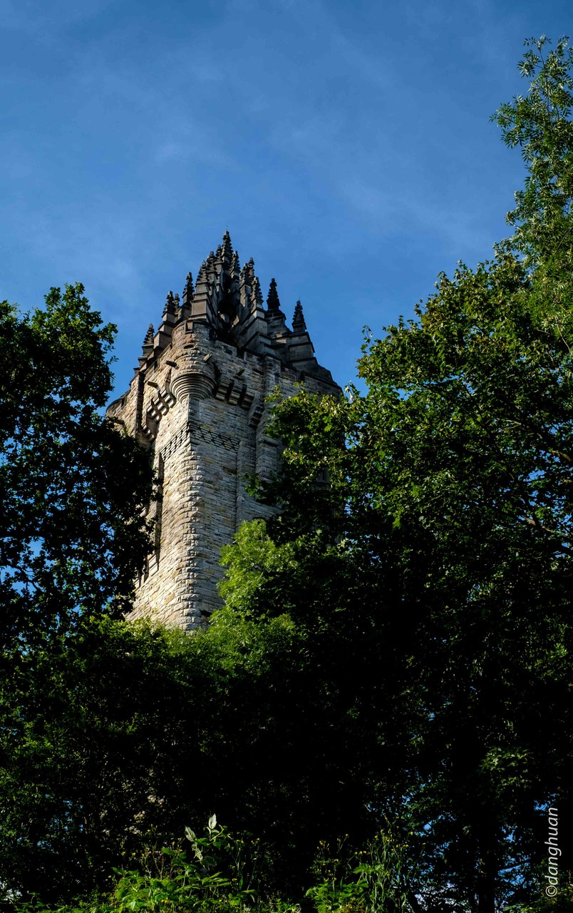 Wallace Monument (67m) érigé pour commémorer la victoire remportée en 1297 par William Wallace sur les Anglais à Stirling bridge