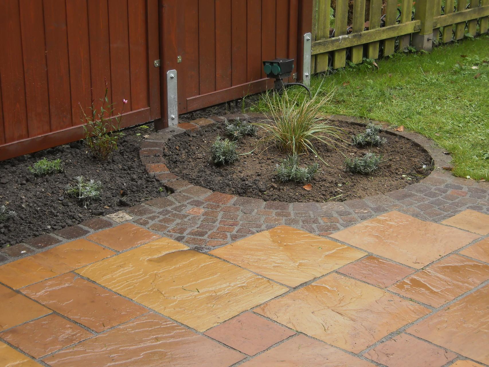 Terrassen neubau vorher nacher martin biele for Gartengestaltung neubau