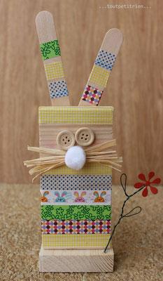 Bricolage lapin en bois et masking tape. www.toutpetitrien.ch/bricos/ - fleurysylvie