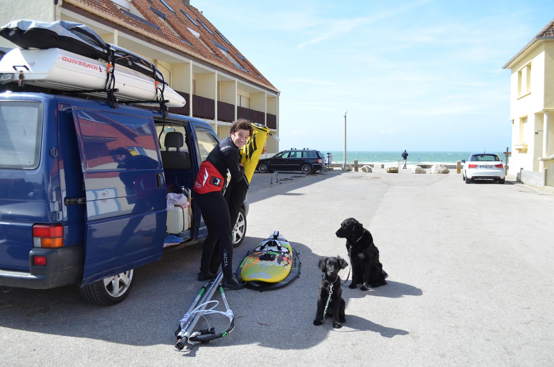 Ab aufs Wasser - Parken hinter der Strandpromenade in Wissant