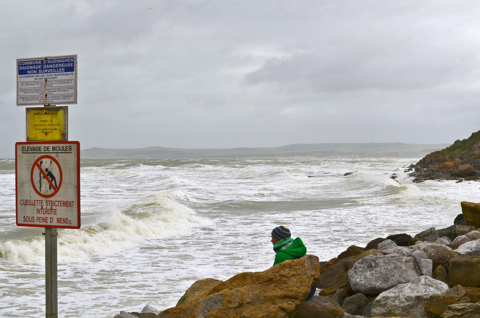 Die Bucht vom Cap Gris-Nez mit Warnhinweisen