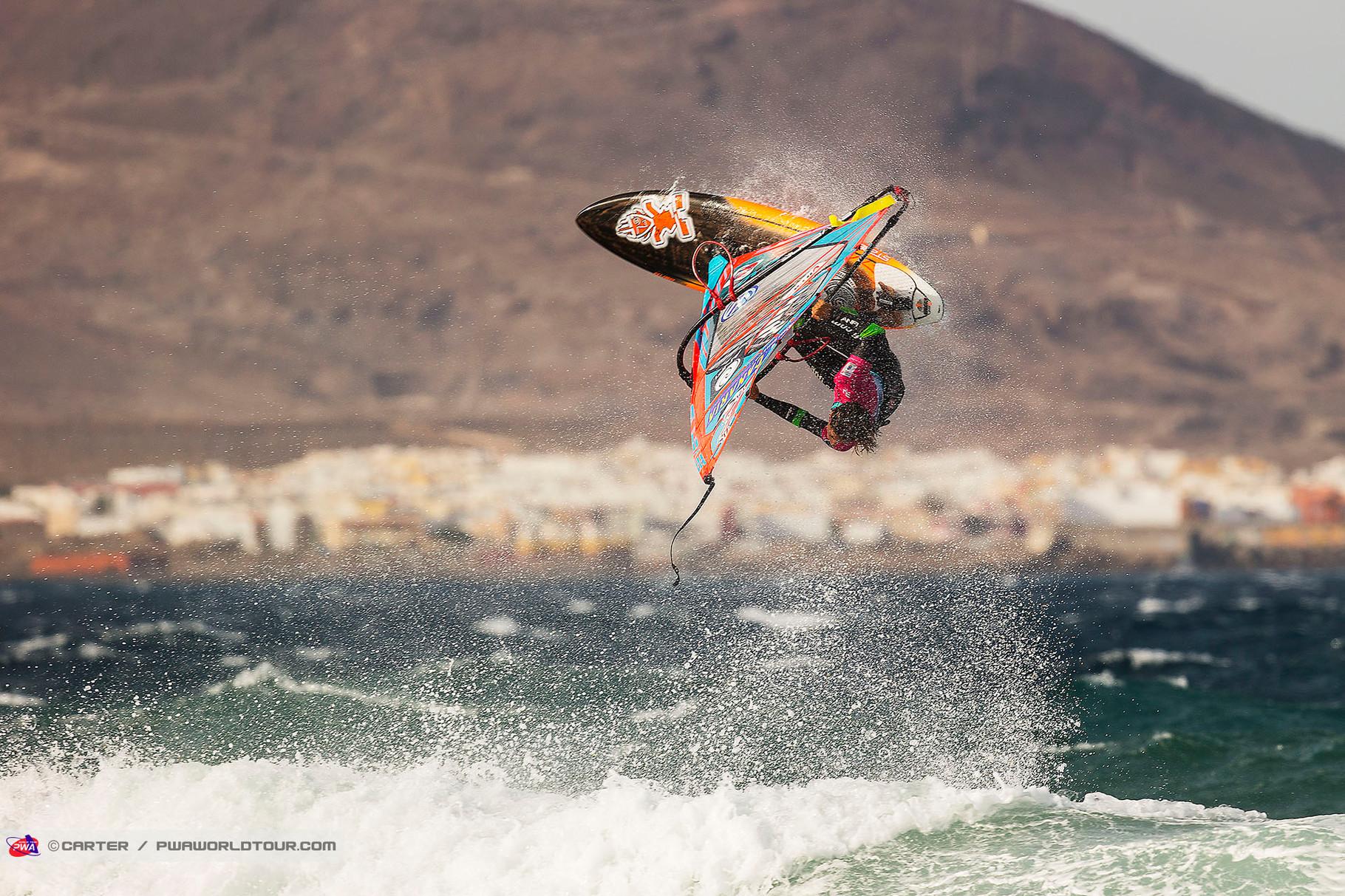 Iballa Ruano Moreno Backloop. ©Carter PWA