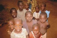 Kinder und Jugendliche müssen sich bisher kleine Klassenzimmer teilen