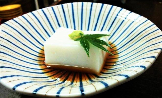 名物胡麻豆腐