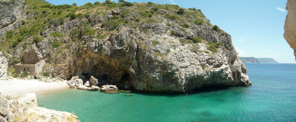 Baleeira Strand