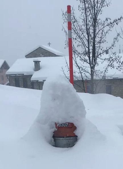 Hydranten von Schnee freihalten