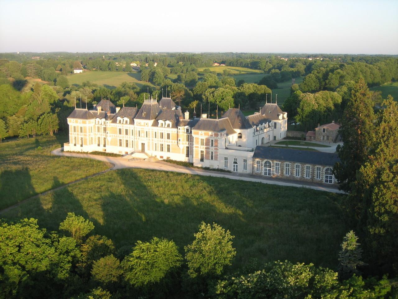 Château de Clermont (ancienne demeure de Louis de Funés)
