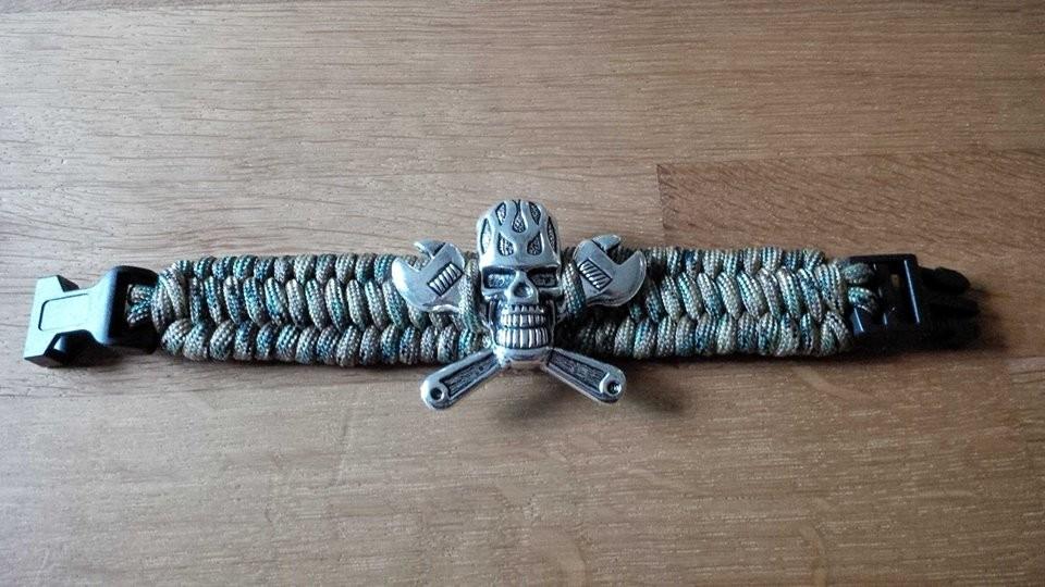Trilobite Armband mit Schrauber Skull