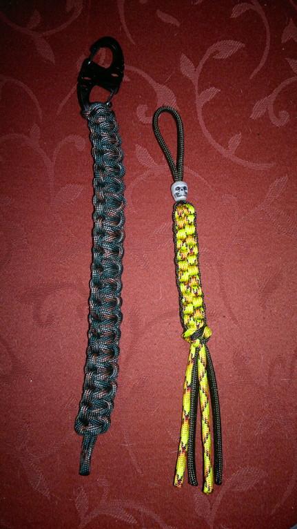 Armband mit S-Biner und Schlüsselanhänger