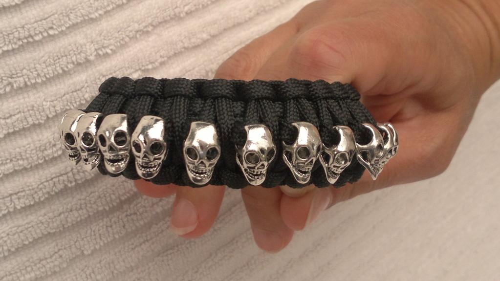 """Kundenbestellung """"King Cobra"""" mit 13 Skulls"""