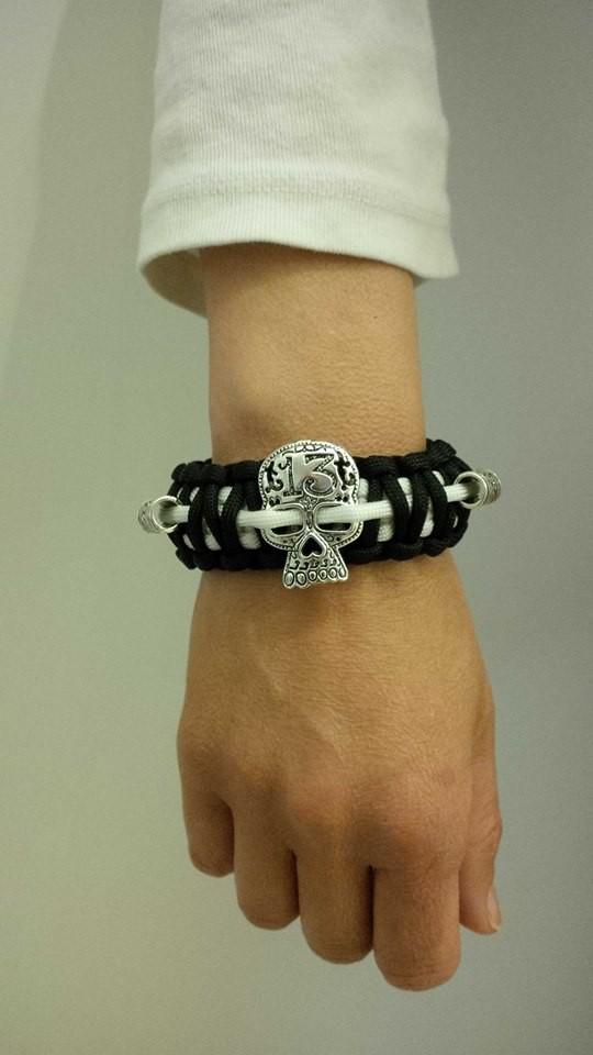 Lucky 13 Skull Armband mit Sternen Beads für women!!