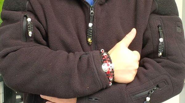 Armband und Zipper an einer Tactical Flecce