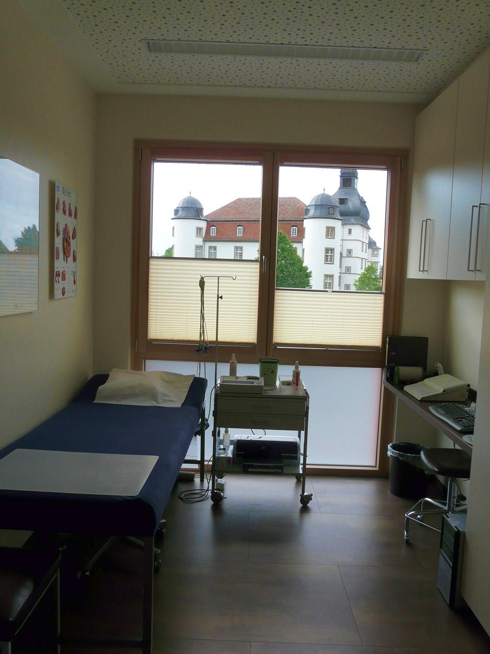 Ein weiterer Funktionsraum für EKG und Lungenfunktion