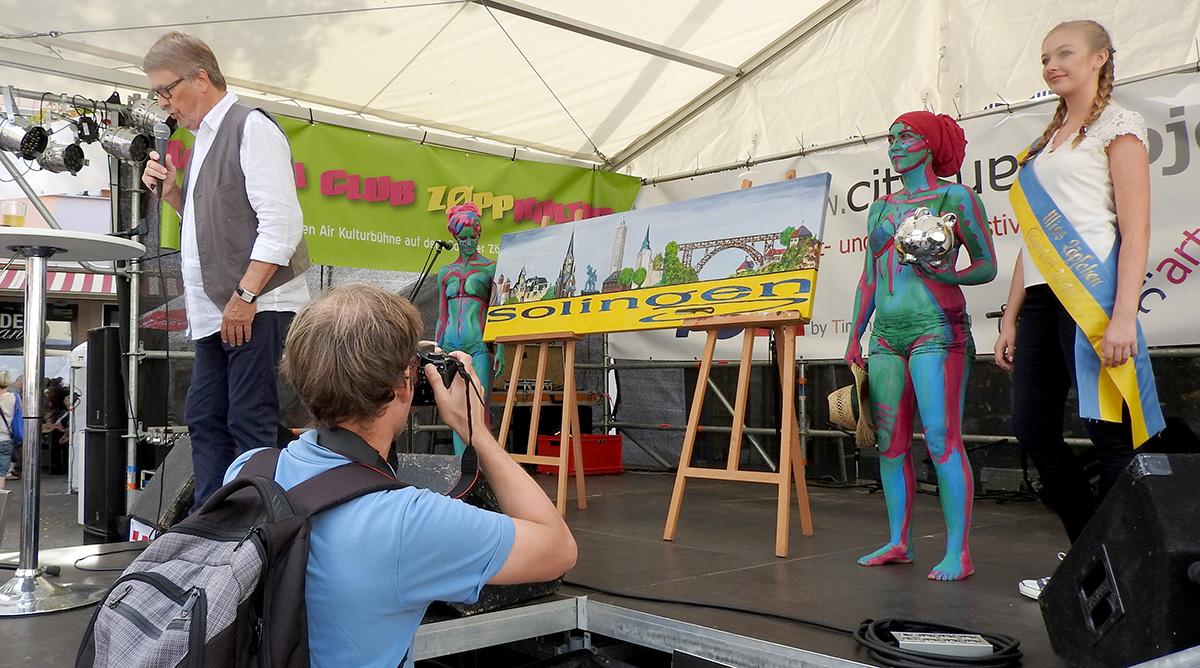 Solingen kommt unter den Hammer –jedenfalls das Panoramabild, an dem viele mitmalten