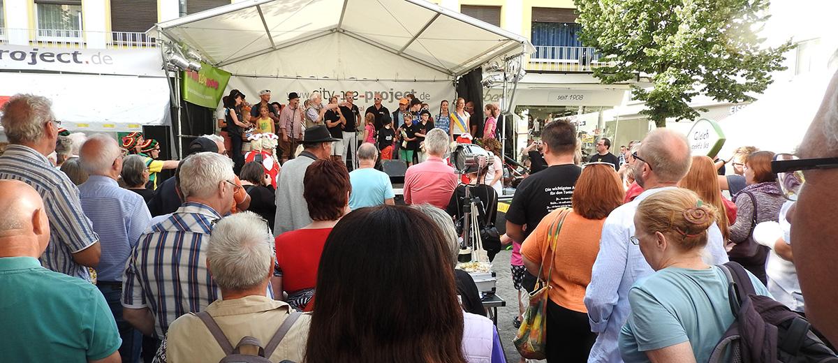 """Wer zum Zöppkesmarkt kommt, wird an allen Ecken und Plätzen immer """"action"""" erleben"""