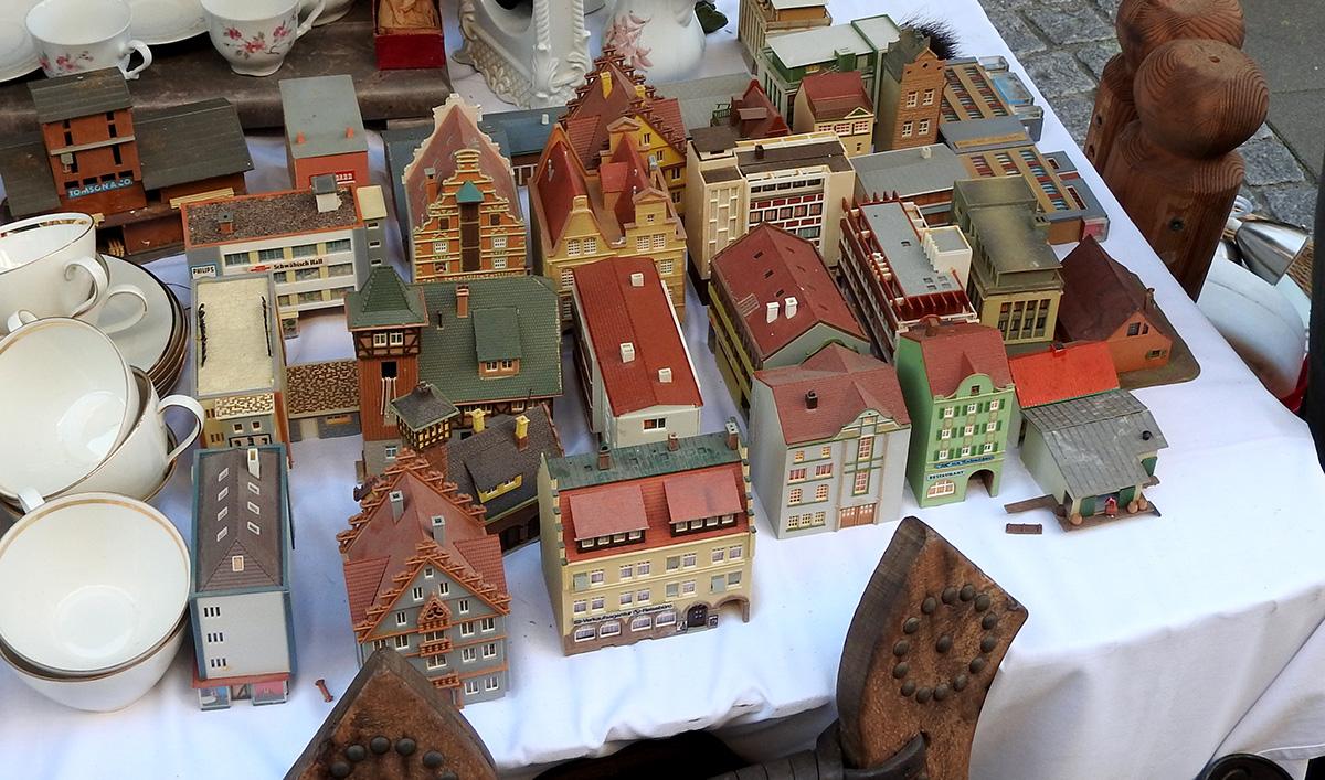 Auf dem Zöppkesmarkt sind ganz Städte zu kaufen