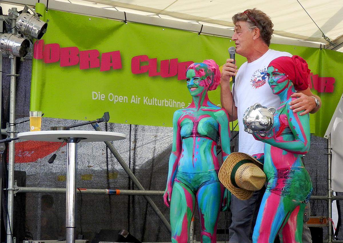 Drei Tage Zöppkesmarkt, da lässt sich selbst Kultur-Macher Timm Kronenberg von Helferinnen stützen