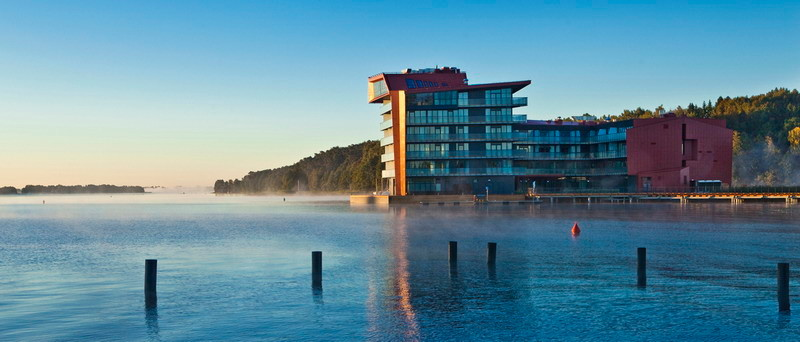 miko ajki hotel auf der vogelinsel hausbooturlaub. Black Bedroom Furniture Sets. Home Design Ideas