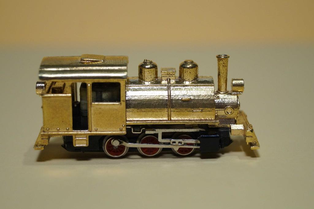 Nn3-Scale Sugar Train Engine