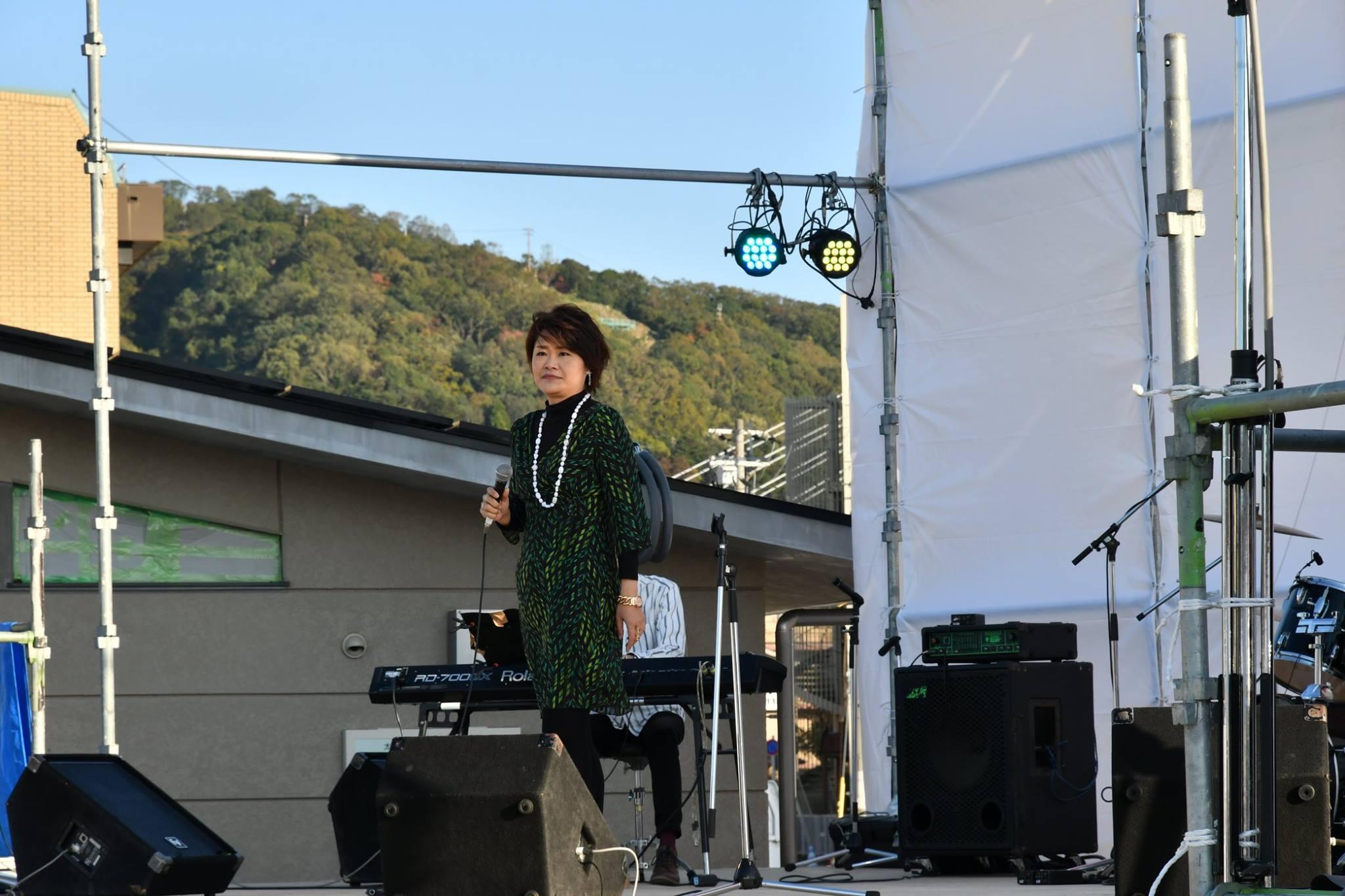 キセラ川西せせらぎ公園音楽ステージ005