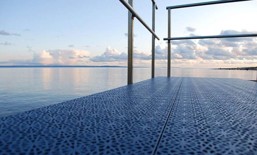 Suelo para vestuarios piscinas spa zonas humedas - Suelo antideslizante exterior ...