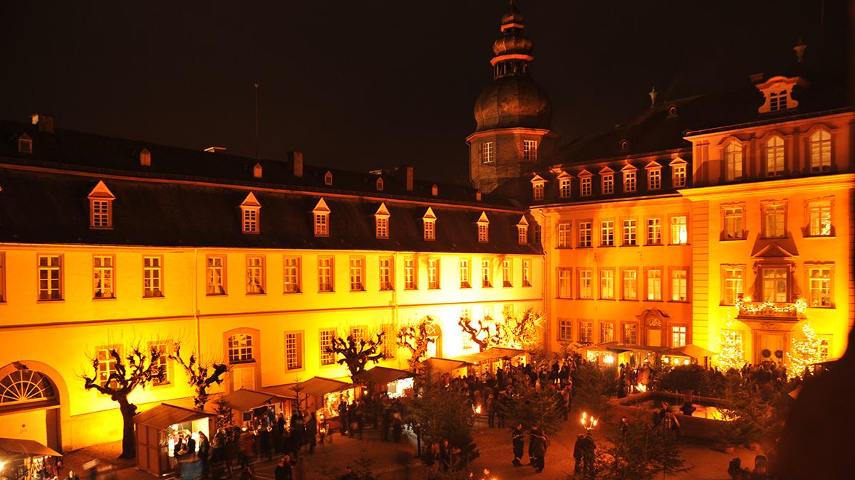 Besonderer Lichterglanz: WeihnachtsZeitreise rund um Schloss Berleburg