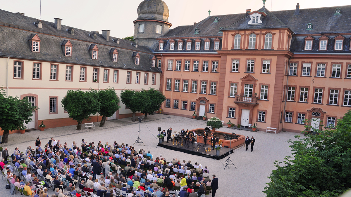 Internationale Musikfestwoche: Open-Air-Konzert im Schlosshof