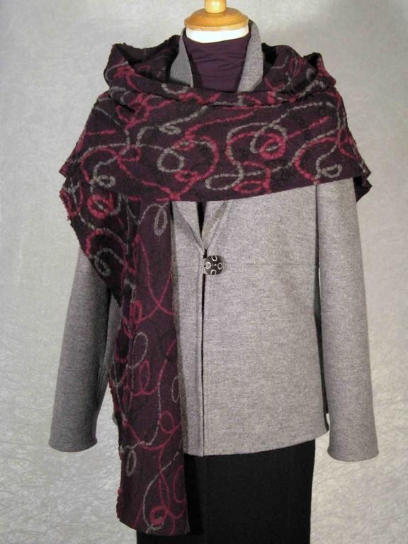 Jacke mit Schal als Kombinationsbeispiel