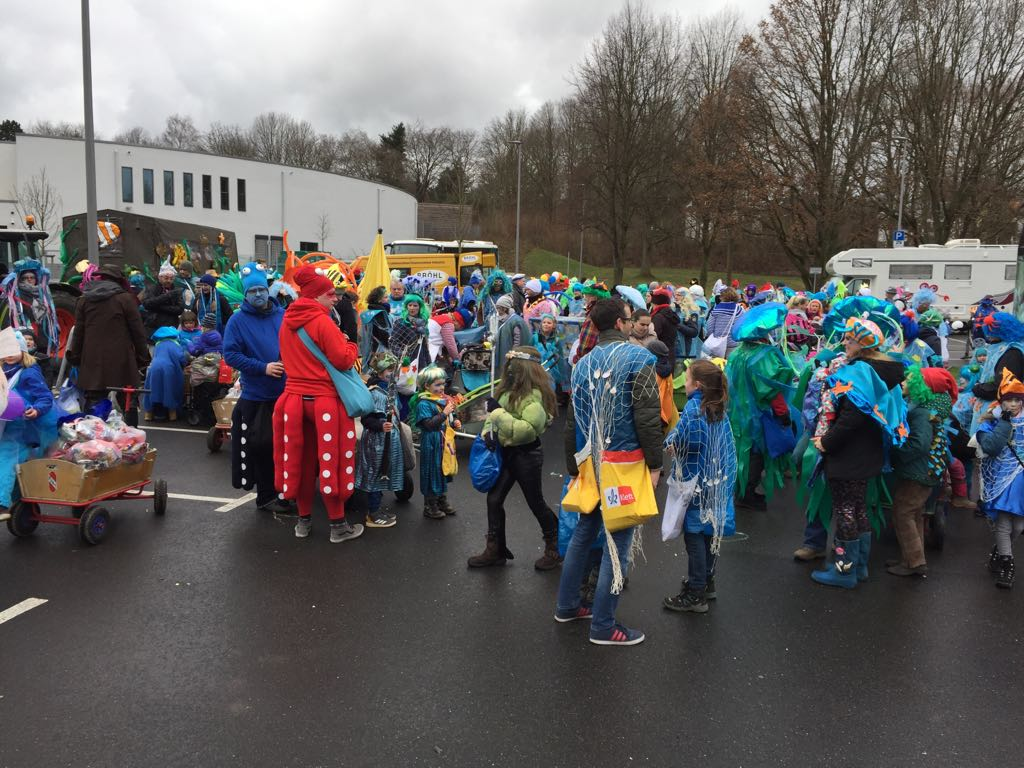 "Straßenkarneval ""Wir wollen Mee(h)r!"""