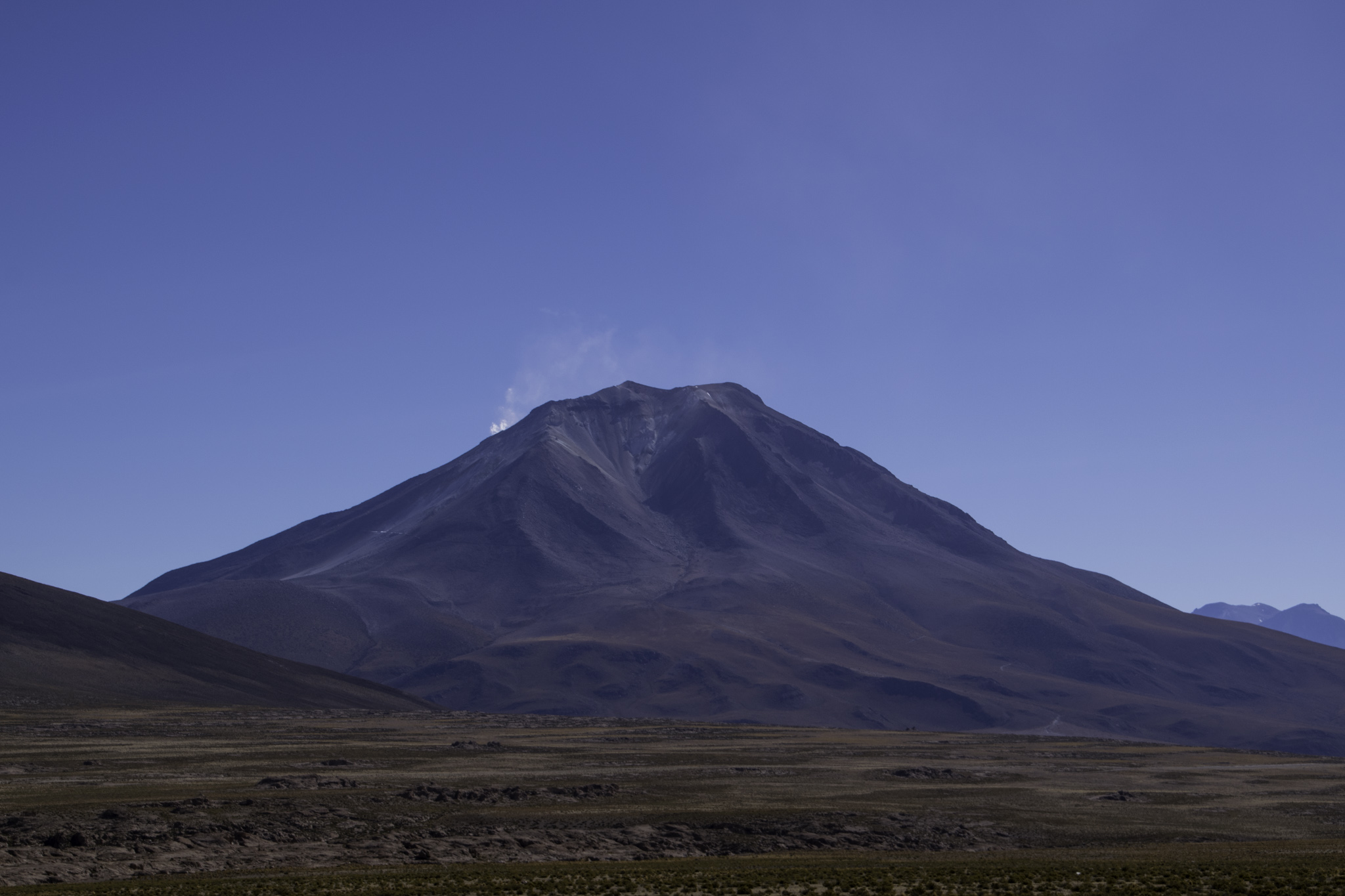 Der rauchende Vulkan Ollagüe