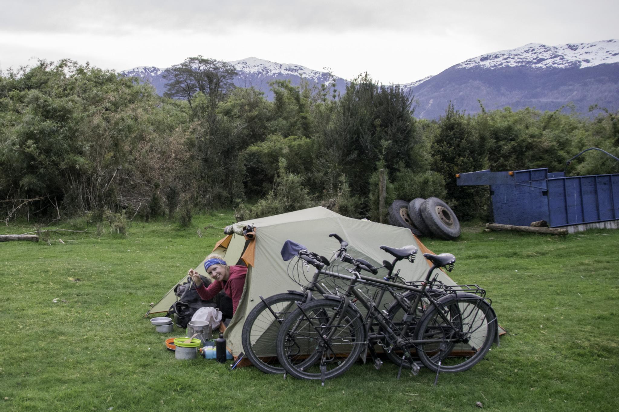 Einige Male fragten wir Bauern um Camping-Erlaubnis...